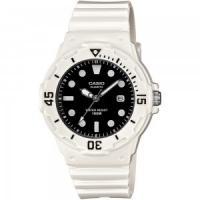 Женские спортивные часы Casio LRW-200H-1EVEF